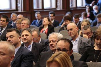 Orvostechnikai konferencia résztvevők 01