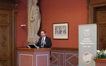 Orvostechnikai konferencia - Pomázi Gyula - helyettes államtitkár
