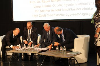 Óbudai Egyetem és MediKlaszter Együttműködési megállapodás aláírása